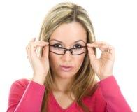 Aantrekkelijke trendy blonde vrouw Stock Afbeeldingen