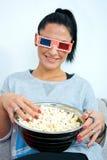 Aantrekkelijke vrouw die 3 glazen van D dragen Royalty-vrije Stock Afbeelding