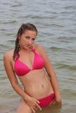 Aantrekkelijke vrouw in het zwempak Royalty-vrije Stock Afbeelding