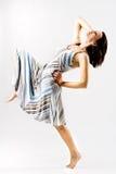 Aantrekkelijke vrouwelijke nemende stap stock fotografie