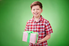 Aanwezige de holding van de jongen Stock Foto's