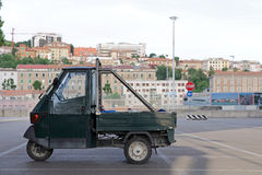 AAPbestelwagens in Italië - Piaggio-driewieler Royalty-vrije Stock Afbeeldingen