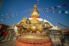 Aapzitting op Vajra in Swayambhunath Stupa stock foto