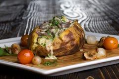 Aardappel in de schil Royalty-vrije Stock Foto