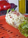 Aardappel in de schil met zure room Royalty-vrije Stock Foto's