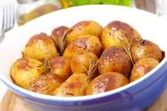 Aardappelen in de schil - gebackene Kartoffeln Royalty-vrije Stock Afbeeldingen