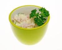 Aardappelsalade met peterselie Stock Fotografie
