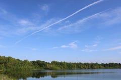 Aardbeeld voor de Riviergang van Sugar Land Memorial Park en Brazos- royalty-vrije stock fotografie