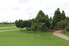 Aardbeeld voor de Riviergang van Sugar Land Memorial Park en Brazos- stock afbeeldingen