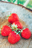 Aardbei Aardbeien Organische Bessen Royalty-vrije Stock Foto's