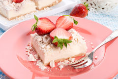Aardbei - beskruimeltaart Dessertt Stock Foto