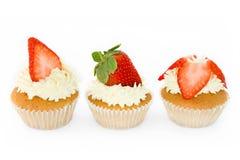 Aardbei cupcakes Stock Afbeeldingen
