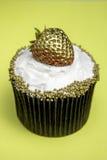 Aardbei Gele Cupcake Stock Foto