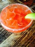 Aardbei Margarita op de rotsen Stock Fotografie