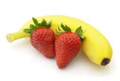Aardbei met banaan Royalty-vrije Stock Afbeeldingen