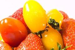 Aardbei met tomaten Royalty-vrije Stock Foto's