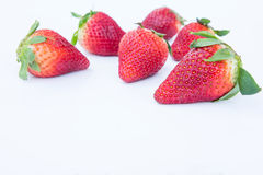 Aardbei op witte achtergrondfruit` s gezonde hartelijk, nuttig stock fotografie