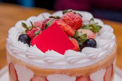 Aardbeicake, Dessert, Verjaardagscake, Moederdag, Verjaardagspartij royalty-vrije stock afbeelding