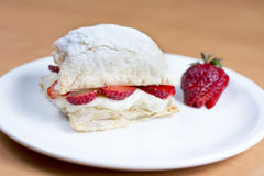 Aardbeicake, gebakje, banketbakkerij mille-feuille Stock Afbeelding