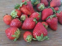 Aardbeien in al grootte Royalty-vrije Stock Afbeeldingen