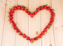 Aardbeien in de vorm van hart Stock Fotografie