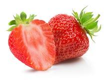 Aardbeien die op een witte achtergrond worden geïsoleerd Stock Fotografie