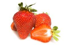 Aardbeien die op Witte Achtergrond worden geïsoleerde Stock Foto's