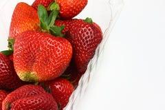 Aardbeien in doos Stock Foto