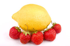 Aardbeien en citroen Stock Foto