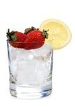 Aardbeien en citroen op ijs stock foto
