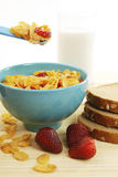 Aardbeien en cornflakes Royalty-vrije Stock Afbeeldingen
