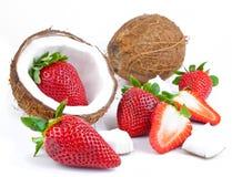 Aardbeien en kokosnoot Royalty-vrije Stock Afbeelding