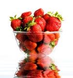 Aardbeien in glas Royalty-vrije Stock Foto's