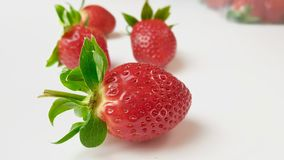 Aardbeien in macromening stock fotografie