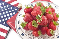 Aardbeien met de Patriottische achtergrond van het Thema Stock Afbeeldingen