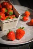 Aardbeien op het dienblad Royalty-vrije Stock Afbeelding