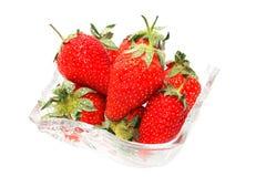 Aardbeien op wit worden geïsoleerd dat Stock Fotografie