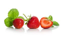 Aardbeien, twee en helft Stock Fotografie
