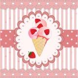 Aardbeiroomijs op de roze achtergrond Stock Afbeeldingen