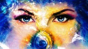 Aarde en blauw menselijk oog met violette en roze dagmake-up vrouwenoog het schilderen royalty-vrije stock afbeeldingen