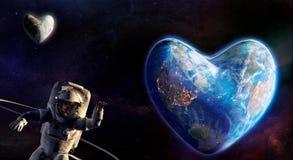 Aarde en maan in de vorm van hart en astronauten het golven Royalty-vrije Stock Foto