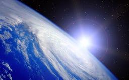 Aarde met het toenemen Zon Stock Foto's