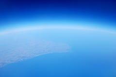Aarde van blauw van de hemel het ruimtelucht stock afbeelding