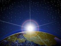 Aarde van ruimte met zon het toenemen en wolken Stock Foto
