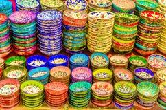 Aardewerk in Grote Bazaar Istanboel Royalty-vrije Stock Fotografie