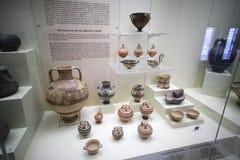 Aardewerk in museum van Mycenae Stock Afbeeldingen