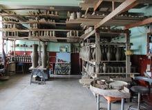 Aardewerkworkshop - Marginea, Bucovina stock afbeelding