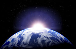 Aardezonsopgang met wolken en sterren Stock Fotografie