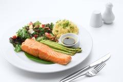 aardige yummy maaltijd op witte rug royalty-vrije stock foto's