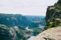 Aardlandschap van Lysefjord en bergen van Preikestolen binnen Stock Foto